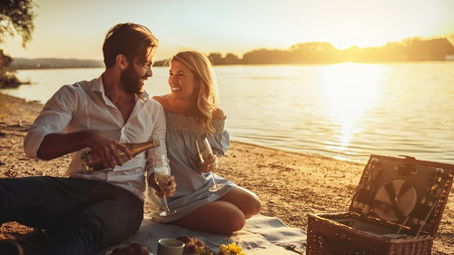 12 Facts about ENFP and INFP Relationship Compatibility and Couple Photo